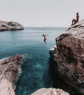 rocks, diving and girls