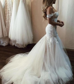 bridal gown, wedding dress with train and wedding dress