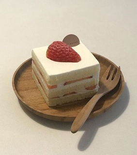 cake, white and food