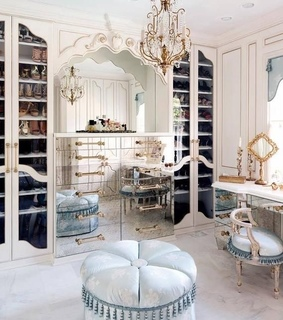 mirrors, gold and luxury