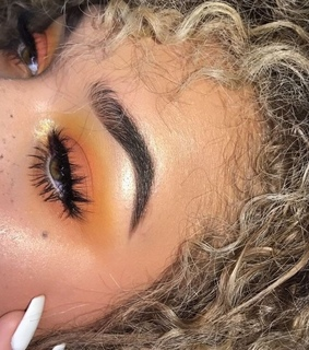 beauty, brows and curly hair