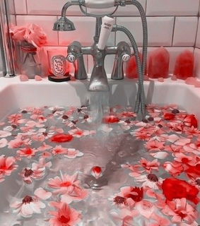 bath, aesthetic and flowers