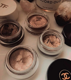 chanel, rosegold and makeup