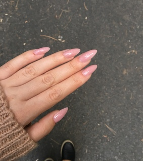 pink nude, pretty and nails
