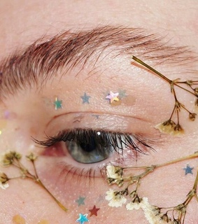 aesthetic, eyes and flowers