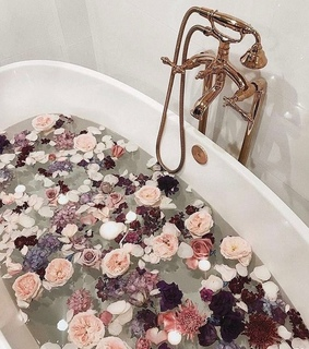 relax, roses and bath
