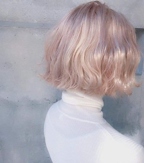 pale hair, baby pink and soft pale
