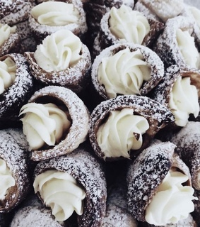 cream horn, pastries and pastry