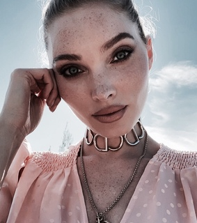 freckles, necklace and vogue