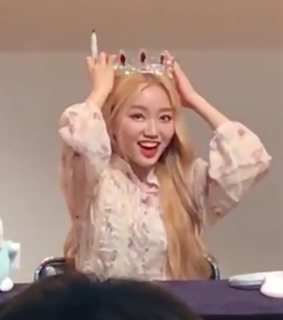 gowon, loona and yyxy