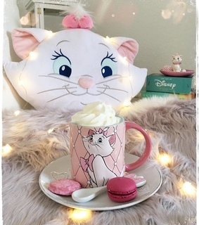 mugs, marie and the aristocats