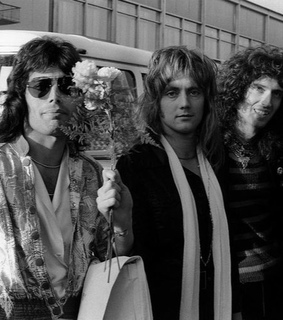 friends, Queen and 70s