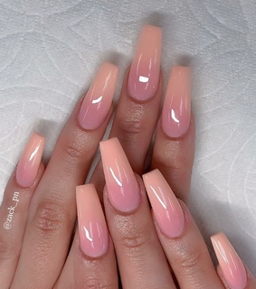 nails, ombre and peach