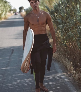 damn, hotties and boards