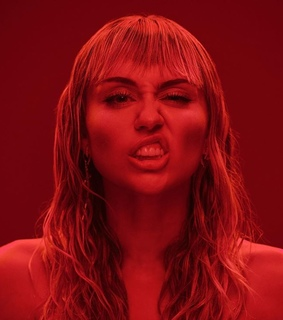 miley cyrus, mother's daughter and music video