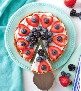 cake, cakes and berries