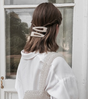 hair clips, style and brunette