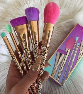 brush, nails and tarte