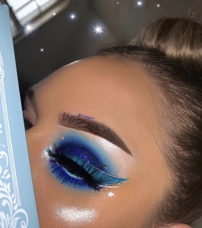 blue makeup, pretty and fancy