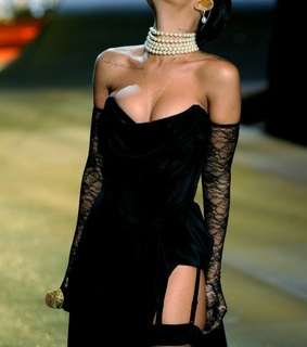 black dress, fashion and dress