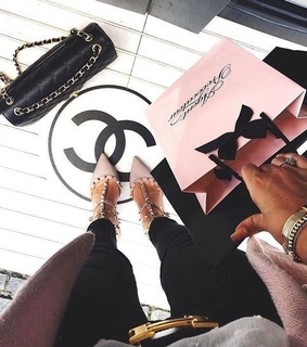 shopping, chic and agent provocateur