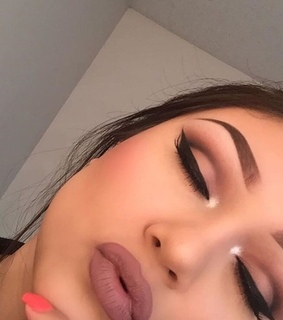 eyeshadow, lips and make up
