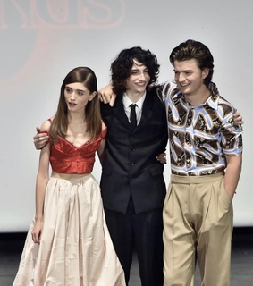 stranger things, natalia dyer and mike