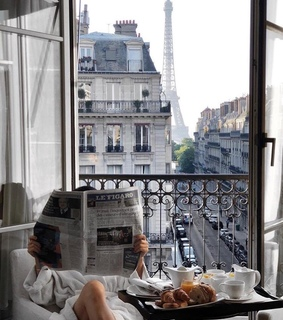 paris, happiness and building