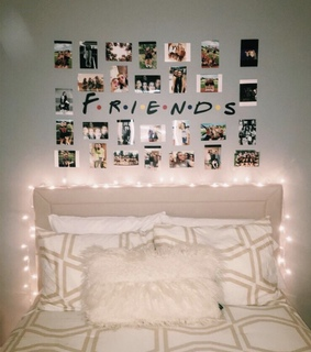 bed, friends and bed room