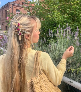 flowers, indie and hairstyle