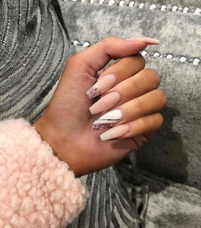 manicure, pink and glam