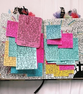 writing, colors and chaotic