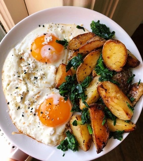 l.o, eggs and healthy