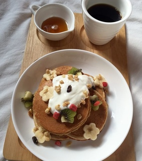 pancakes, FRUiTS and drink