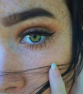 girls, eyes and goals