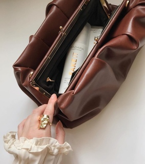 style, purse and accessories