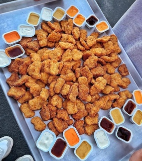 nuggets, fried and sauce