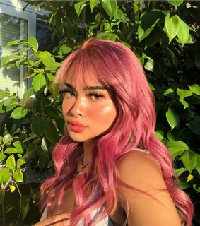colored hair, site models and glow