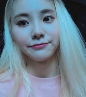 jinsoul icons, jinsoul and loona icons