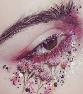 glitter, flowers and makeup