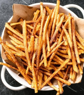fries, skinny fries and food