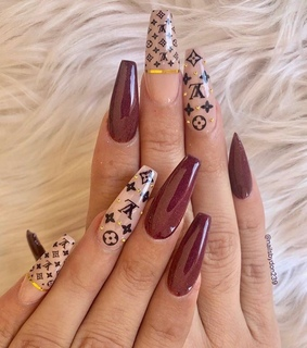LV, nails and claws