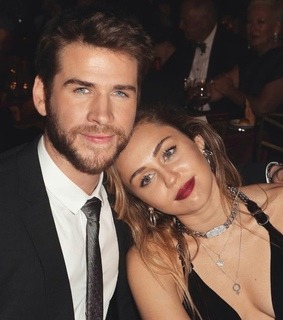 celebrity, liam hemsworth and miley cyrus