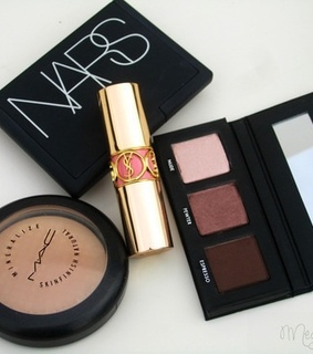 illuminator, Nude and yvessaintlaurent