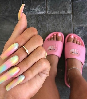 kylie jenner, pink and beautiful
