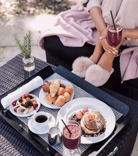 coffee, breakfast and FRUiTS
