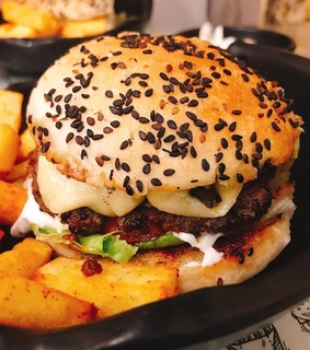burger, food and fries