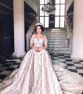 wedding, style and Queen