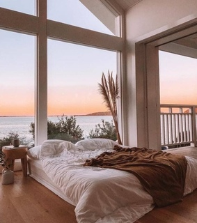 sea, tumblr and bedroom