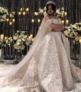 Couture, wedding and Queen